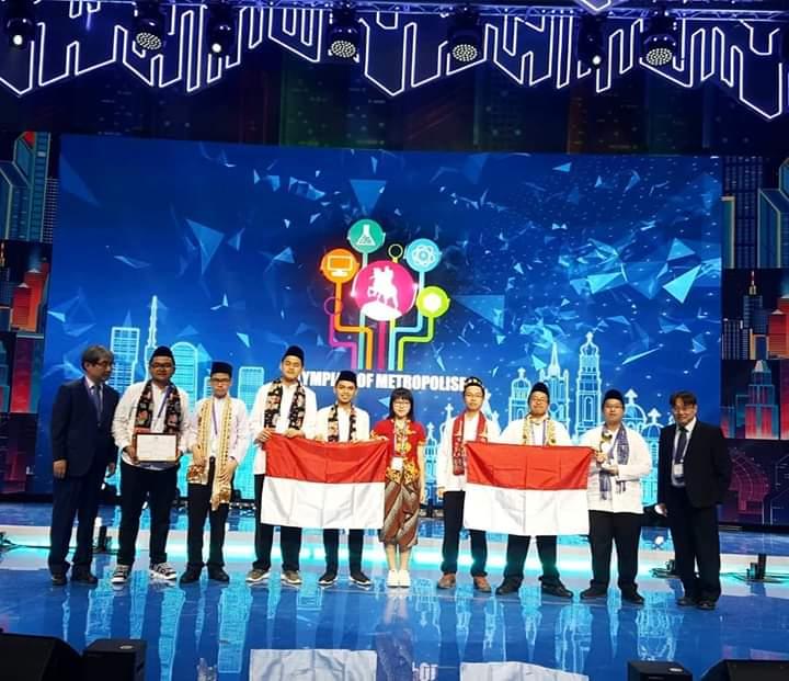 Anies Baswedan Apresiasi Pelajar DKI Jakarta Raih Juara Umum IOM di Moskow