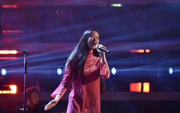 5 Gaya Simple Claudia Emmanuela Pemenang The Voice Jerman