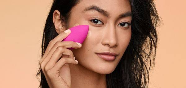 Tips Memakai Beauty Blender Untuk Pemula