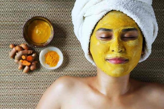 3 Manfaat Masker Kunyit Untuk Permasalahan Kulit Wajah