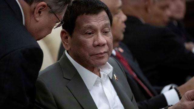 Duterte Larang Penggunaan Vape 'Beracun' di Filipina