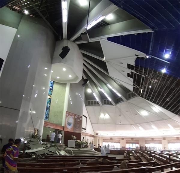 Dua Jemaat Maria Kusuma Karmel Jakbar Terluka Akibat Plafon Gereja Ambrol