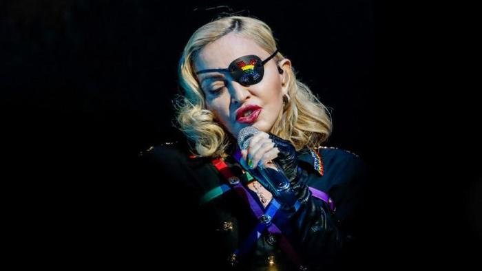 Konser Madonna di Lisbon Batal Karena Sang Diva Cedera