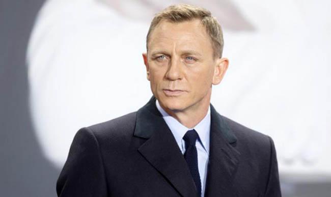 Di Usia 51 Tahun, Daniel Craig Ragu Memerankan James Bond