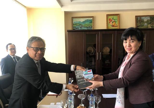 Minat Mahasiswa Tashkent Belajar Bahasa Indonesia Terus Meningkat