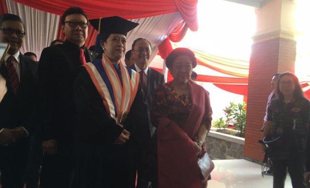 Puan Maharani Terima Gelar Doktor Honoris Causa dari Universitas Diponegoro
