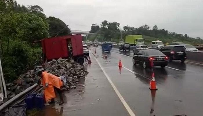 Polisi: Arus Kendaraan di Tol Cipularang KM 118 Kembali Normal