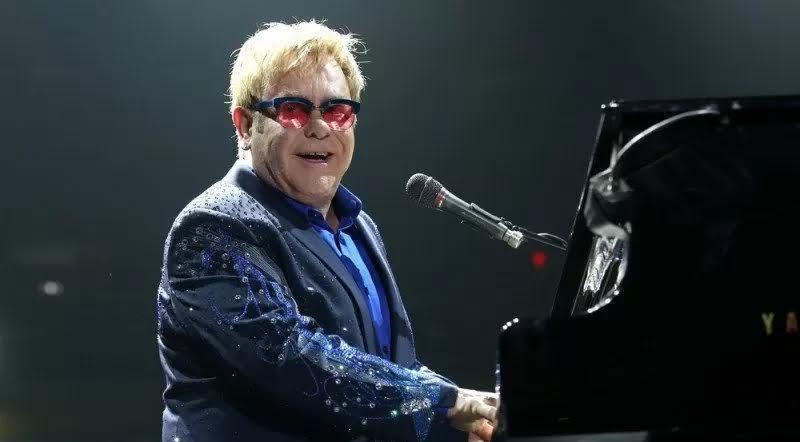 Elton John Sumbang 1 Juta Dolar Amerika Tangani Covid-19