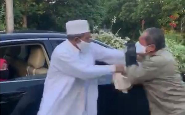 Habib Umar Assegaf dan Petugas Satpol PP Surabaya Sepakat Berdamai