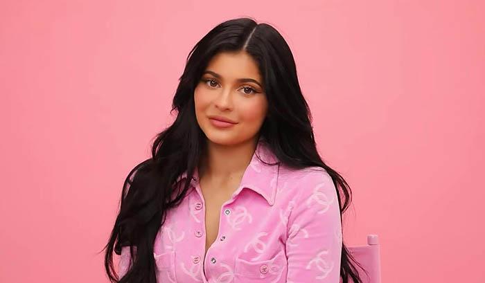 Gelar Miliarder Kylie Jenner Dicabut Forbes