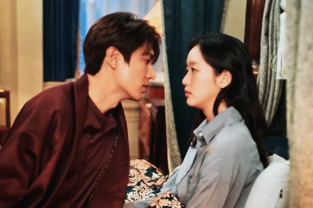 Ciuman Leher Lee Min-ho dan Kim Go-eun Disebut sebagai Ciuman Terbaik