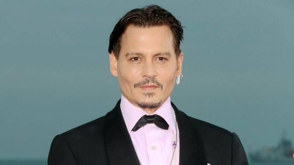 Aneh, Johnny Depp Akui Jadi Pemasok Ganja untuk Putrinya