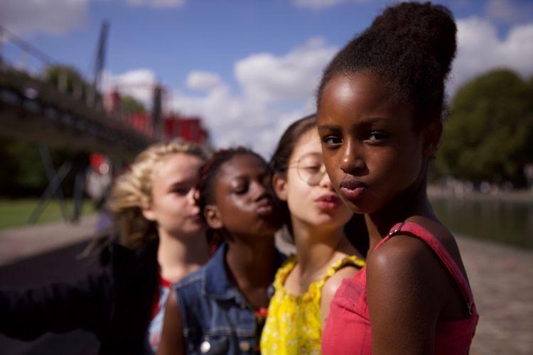 Tayangkan Film Sensual Remaja, Netflix Terancam Diboikot