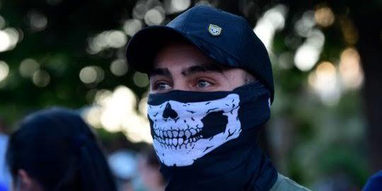 Alasan Satgas Covid-19 Terkait Pemakaian Masker Scuba yang Kurang Efektif