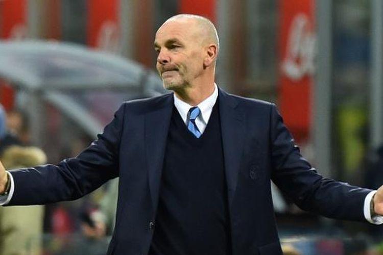 Pelatih AC Milan Positif Covid-19