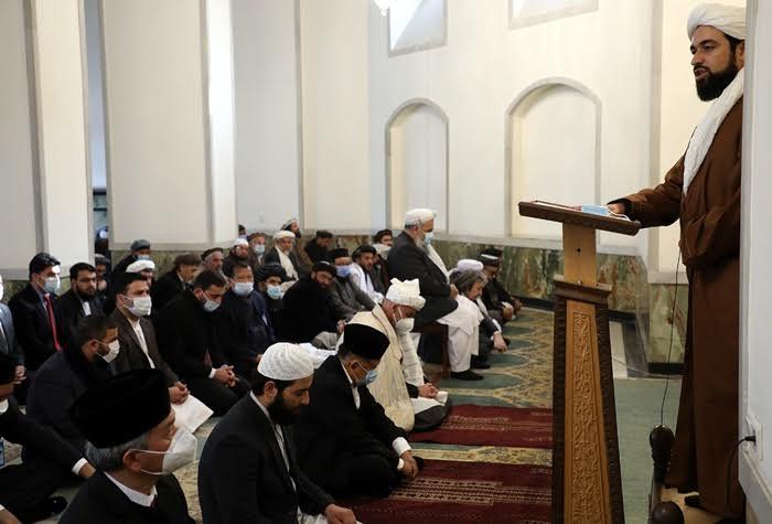Usai Bahas Rencana Damai, Ghani Dan Jusuf Kalla Sholat Jumat Bersama