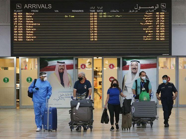 Kuwait Tunda Penerbangan Komersial Asal India