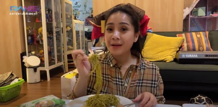 Nagita Hamil, Raffi Larang Sang Istri Makan Sembarangan