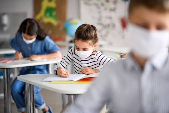 Kiat Aman Saat Anak Kembali Belajar Tatap Muka di Sekolah