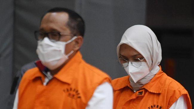 Mantan Bupati Probolinggo dan Suami Ditetapkan Jadi Tersangka TPPU