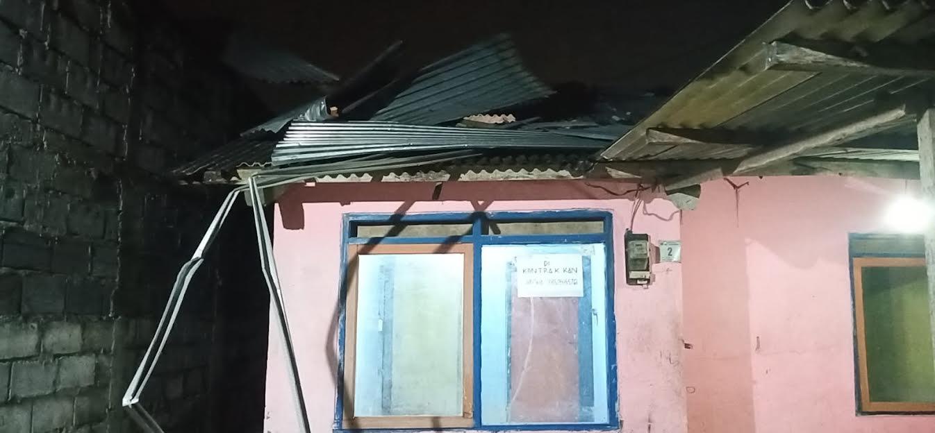Angin Kencang Merusak 44 Rumah Warga Desa Jetis, Mojokerto